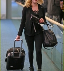 eliza-taylor-danielle-panabaker-leave-vancouver-for-home-11.jpg