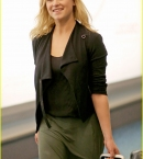eliza-taylor-lands-vancouver-the-100-filming-10.jpg